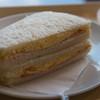 ハニーミツバチ珈琲 - 料理写真:モーニングのハムエッグサンド