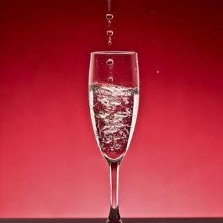 ダイニング・個室フロアで異なる150種以上のワインリスト