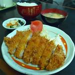 とんかつ 江戸 - ロースかつ定食