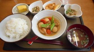 藁科 - 若鶏と里いもみそ煮定食