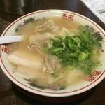 36486788 - 自称発祥の『元祖ワンタン麺』様(700円)うむ~変わらぬビジュアルに少しホッとします♡