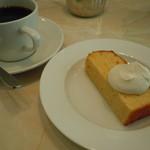エルマーズグリーンカフェ - ランチセットに付いてくるコーヒーとデザート♪