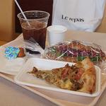 ルパ - 店内でお昼ご飯!