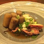 喜の字 - タコとゴボウの煮物