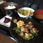 創作居酒屋 樹 - 地鶏の炭火炙り定食¥700 七輪で炙ってまーす