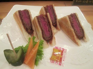 グリル梵 堂島店 - カツサンドハーフ ¥1050円
