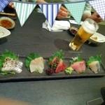 魚介料理 海 - 刺身5種盛り 1800円       さわら、ぶり、かつお、ひらめ、とびうお