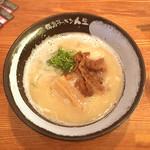 徳島ラーメン人生 - 白系徳島ラーメン 690円