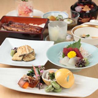 コース料理も豊富に揃えております。鰻屋ならではの鰻料理を是非