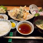 荒木 - 刺身御膳(天ぷらか焼き魚がつく)