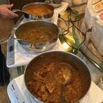 ナタラジ - カレーは4種類