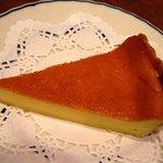 cafe ぼへみあん - 自家製チーズケーキ 330円