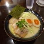 36521754 - 「特製鶏だしらーめん 炙りチャーシュー味玉らーめん(塩)」(1200円)