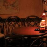 マンハッタン珈琲店 - テーブル席