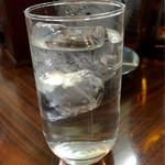 藤原 - 芋焼酎の水割り