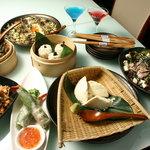 TOFU'S DINING LOUNGE - 越乃寒梅や冨乃宝山等の銘酒が飲める飲み放題付コースです