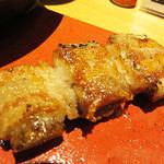 博多トク・トク 焼鳥いっせい - 創作串も色々あります。 ごぼう巻。 蒸したゴボウを豚バラで巻いたものです。