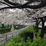桂ちゃん - 雨模様の「天神橋付近」