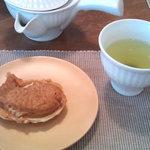Chaie - 深蒸し茶¥550+たいやき¥150