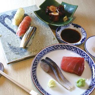 こだわりの旬の魚貝類を、食材に見合った手法で・・・