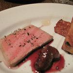 ピサンリ - 2品目は、鶏白肝のパテ・フレンチトースト・いちじくの赤ワイン煮添え。