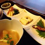 酒邸 吟乃香 - 筍と湯葉とハヤの甘露煮の3種