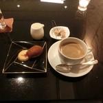 レストラン ラウンジ アンクルハット -