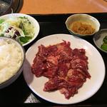 上越 食道園 - 牛ハラミ定食 ¥980
