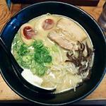 麺屋 封 - 【とんこつ + 煮玉子】¥680 + ¥100