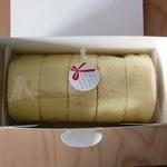 クルル - 料理写真:いちごのくるくるケーキ(950円)