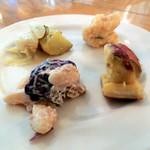 アフレンツァ - 白いんげんのマリネ、ポテトのロースト、かぼちゃのマリネ、イカのエスカベッシュ