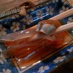 あさの食堂 - 生姜と共に頂く半透明のイカの身は至極の一品!