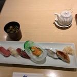 築地 寿司清 - 少なめのお寿司で。