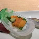 築地 寿司清 - ウニが美味しい