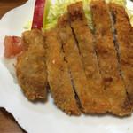 大衆割烹 すみれ - お母さんの味。トンカツ定食は700円。
