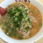 36596631 - 麺大盛に 味噌ラーメン 950円 税込