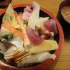 助寿司 - 料理写真:ちらし(600円)