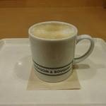 ビーアンドビーコーヒー - カフェラテ:260円 (2015/3)