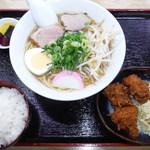 鮎味亭 - 白まる(旧中華そば)700円