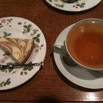ガネッシュティールーム - ケーキセット 紅茶チーズケーキ 787円