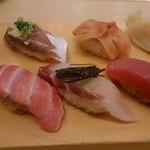36600607 - 寿① 鮪大トロ、真鯛昆布〆、鮪赤身、鯵、赤貝