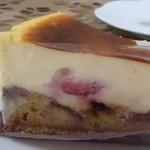 スイーツガーデン ユウジアジキ - ベイクドチーズと果実のタルトのマリアージュ