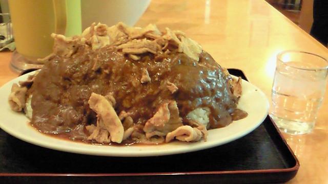 バーグ 杉田本店 - 2008/12 初めて食べた激盛りクラス「スタミナカレー特盛り」
