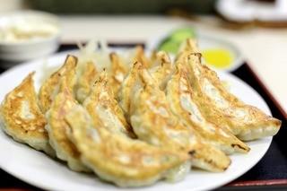 栄福 - ノーマルの餃子