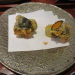 天雅 - ウニの天ぷらです。