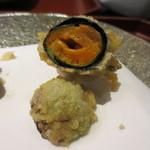 天雅 - 海苔で巻いた天ぷらの下には芽キャベツが。