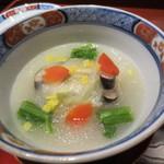 天雅 - 金目鯛を白菜で巻いた物に聖護院蕪の餡が。