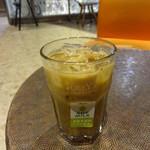 タリーズコーヒー - アーモンドプラリネソイラテ:430円