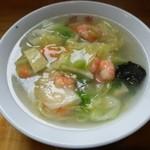 鳳楽 - 料理写真:蝦仁湯麺(エビラーメン)
