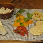 36618079 - チーズ盛り合わせ
